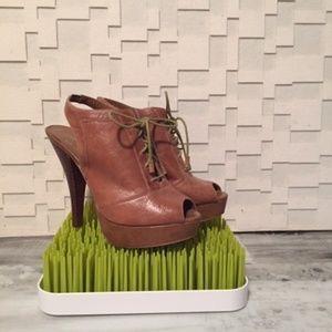 New BCBGeneraion High heel booties